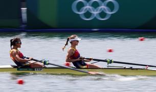 Aina Cid i Virginia Díaz d'Espanya competeixen durant la tercera sèrie de rem en els Jocs Olímpics 2020, aquest dissabte en la Sea Forest Waterway a Tòquio (el Japó).