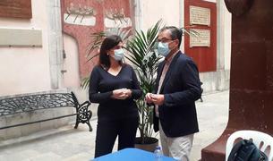La consellera del PP María Elisa Vedrina amb el conseller i portaveu popular José Luis Martín després de la roda de premsa.