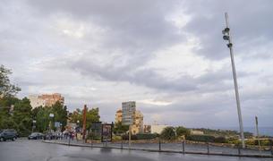 La plaça de la UNESCO sense les banderes.