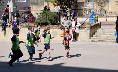 Els petits gaudeixen del bàsquet (1)