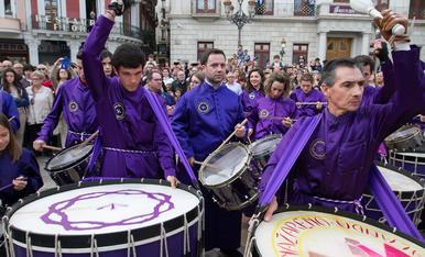 Els Timbals de Calanda a la plaça del Mercadal