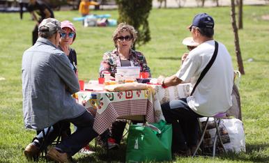 Celebració de la Mona al Parc del Francolí
