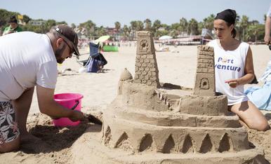 Concurs de castells de sorra de Sant Magí