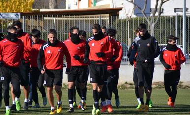 El CF Reus entrena amb el BIT FC (1)
