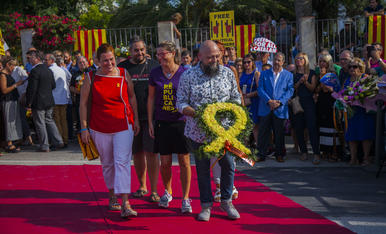 GALERIA: L'ofrena floral de la Diada a Rafel Casanova (2)