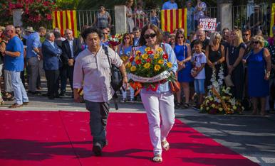 GALERIA: L'ofrena floral de la Diada a Rafel Casanova (3)