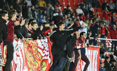 L'afició durant el Nàstic-Córdoba