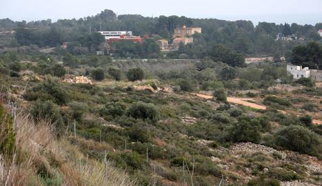 El nou barri projectat es construirà en aquesta zona que va des de les instal·lacions del Nàstic fins a la urbanització de Boscos.