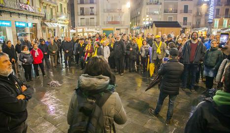 Prop de 300 persones van concentrar-se ahir al Mercadal.
