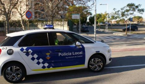 Imatge d'arxiu d'un vehicle de la Policia Local de Calafell.