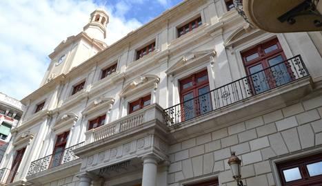 Façana de l'Ajuntament de Reus.