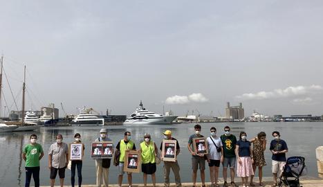 Se manifiestan en Tarragona en contra de la llegada de nuevos cruceros