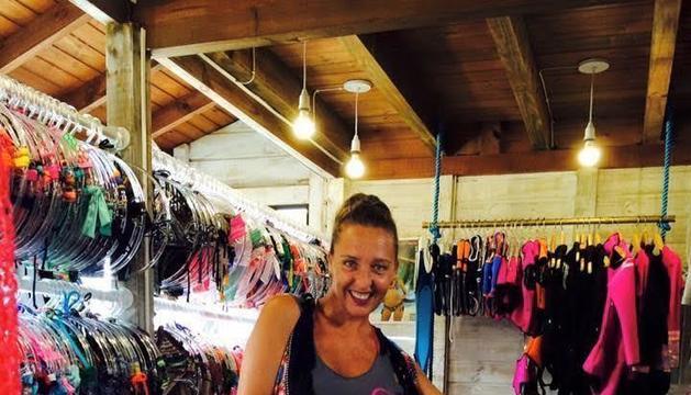 La Noelia amb peces de la seva marca Sunami Beachwear.