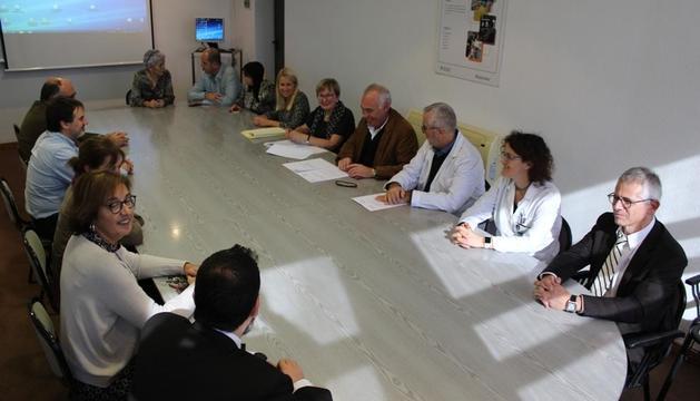 Acte de signatura de l'acord de col·laboració entre l'hospital Joan XXIII i l'hospital de Bellvitge.