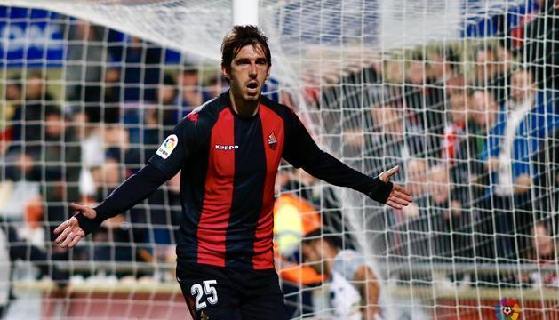 Lekic, després de marcar el gol contra l'Almeria.