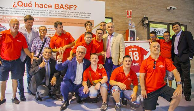 Los integrantes del Nàstic Geunine disfrutaron mucho de la exposición, en la cual estuvieron acompañados, entre otros, del presidente del COE, Alejandro Blanco y del alcalde Ballesteros.