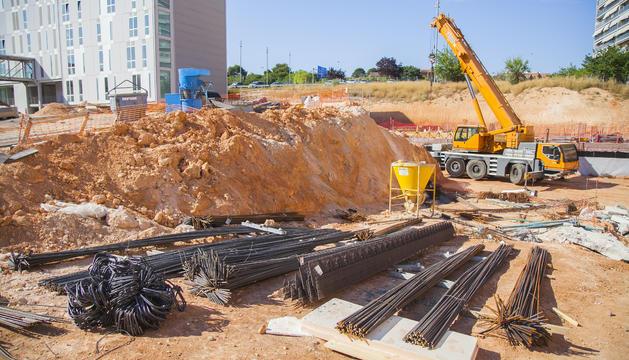 Aspecte que oferien ahir les obres de construcció de la futura Facultat de Ciències de l'Educació i Psicologia al Campus Catalunya.