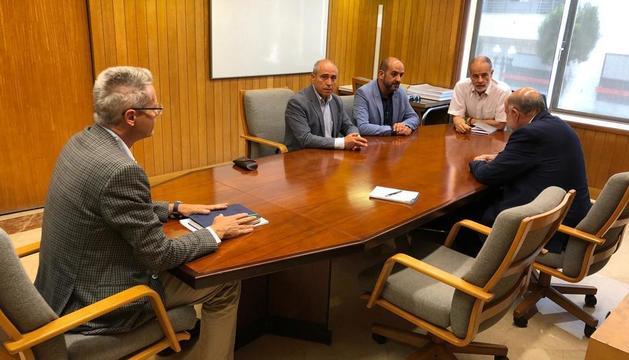 Vale Pino y José Garcia durante la reunión cono Joan Sabaté.