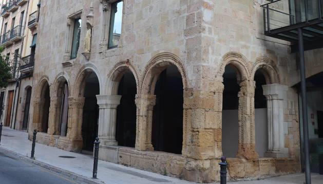 Edifici de l'antioc Hospital de Santa Tecla, actualment seu del Consell Comarcal del Tarragonès.