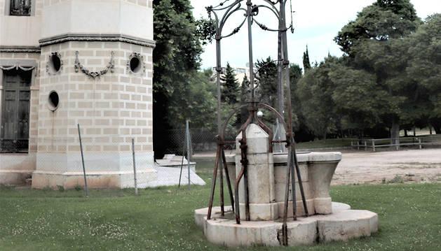La Quinta de Sant Rafael amb el pou on diuen va caure un nen que no van poder salvar.