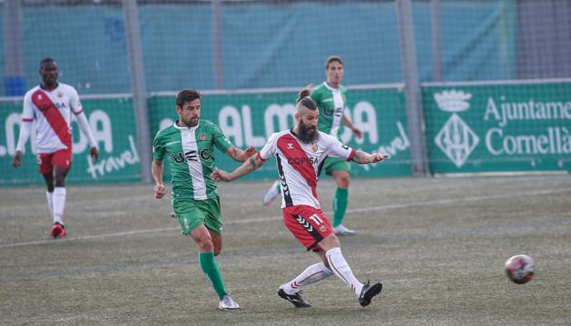 De la Espada, durante un partido esta temporada con l'Hospitalet, rival del Nàstic del domingo.
