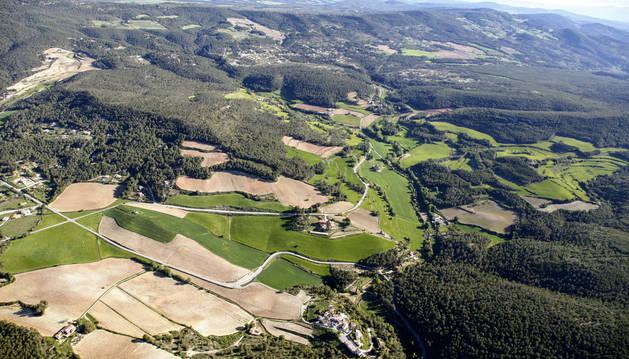 Vista aérea de la zona de Valldossera, que reúne varias urbanizaciones del extremo sudeste del municipio de Querol, en el Alt Camp.