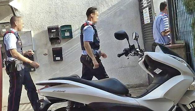 Agentes de mossos intervinieron en Villajardín el 18 de agosto.
