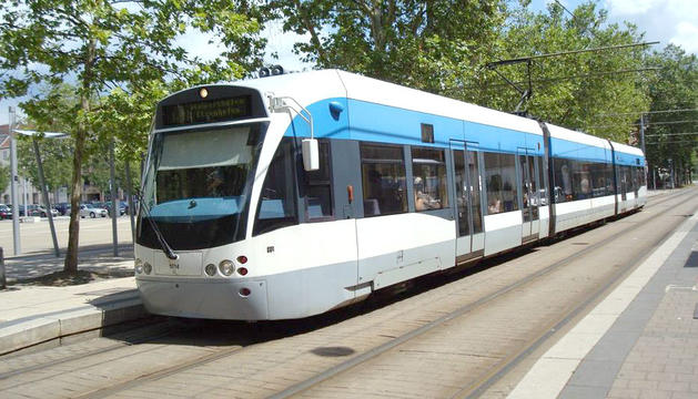 Imatge d'un model de tramvia que proposa per implantar al Camp de Tarragona la Generalitat.