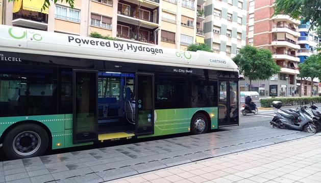 L'EMT prova un autobús d'hidrogen pels carrers de Tarragona