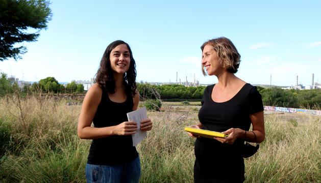 Laia Estrada, diputada de la CUP-NCG al Parlament de Catalunya; i Eva Miguel, portaveu del grup municipal i consellera de l'Ajuntament de Tarragona.