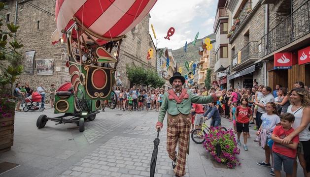 El Zeppelin de Baldufa Teatre recorrerà Tarragona el cap de setmana.