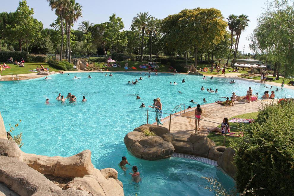 Las piscinas municipales de reus dicen adi s a la for Piscinas municipales madrid 2016