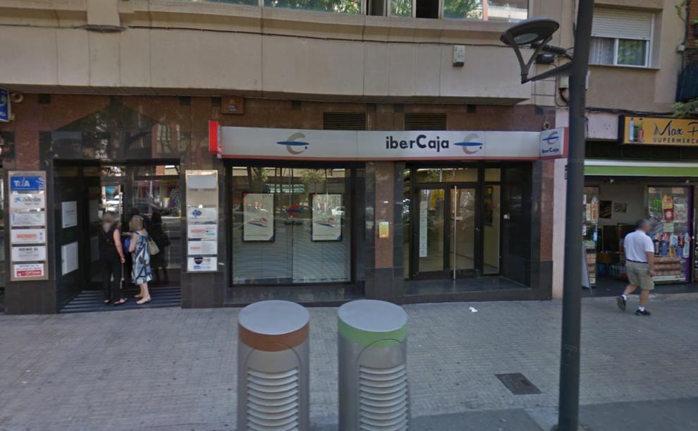 Un cliente evita un atraco en una oficina de ibercaja de reus for Ibercaja banco oficinas