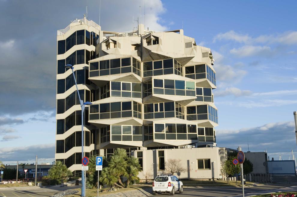 La autoritat portu ria trasladar port control a su for Sanitas tarragona oficinas