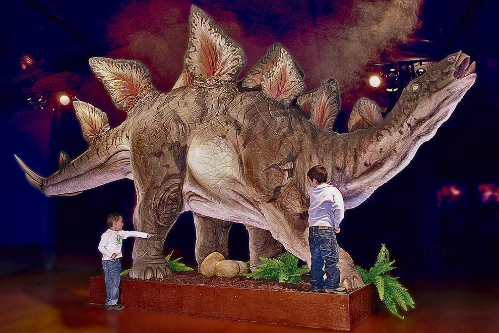 Dinosaurios Y Mamuts Invaden Tarragona Comentar vía sputnikcomentar vía facebook. dinosaurios y mamuts invaden tarragona