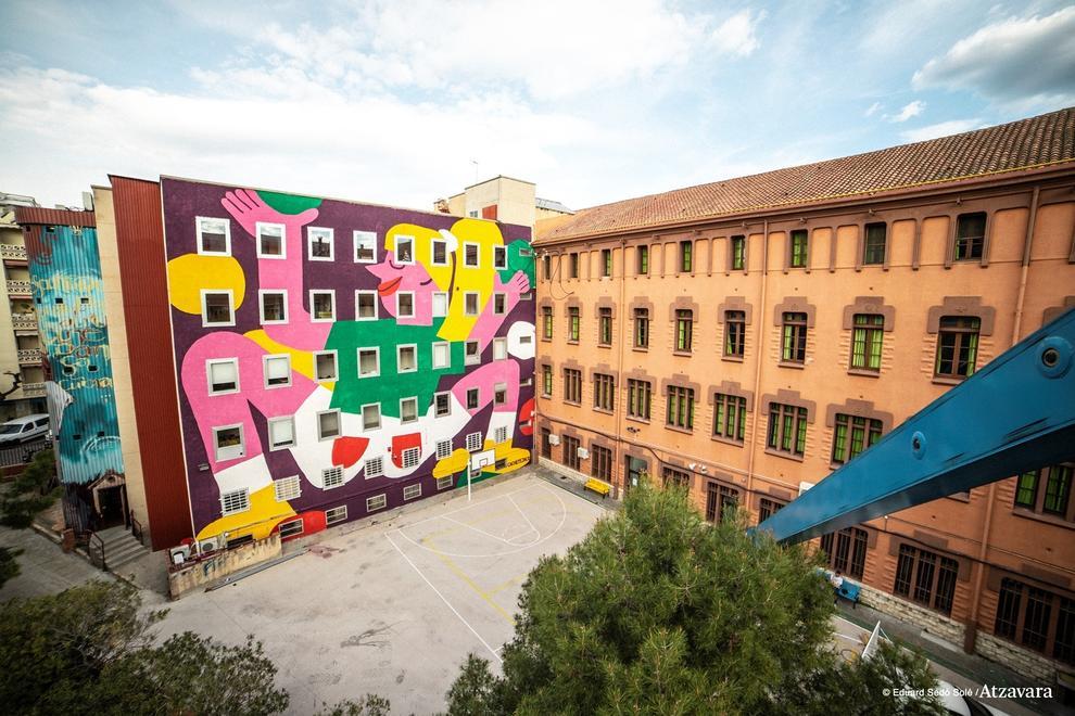 abb5ae0d2e Un gran mural artístico decora la fachada interior del Espai Jove Kesse
