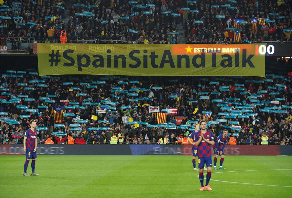 Resultado de imaxes para sit and talk barça estadi